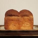 山のパネテリエ - 山型食パン