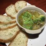 サブロ - 牡蠣のアヒージョ