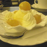 14141026 - 栗のシロップ漬は食べ応えあり。
