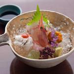 割烹もち月 一味庵 - 泉州のものを中心に旬を意識した海鮮素材を使用。
