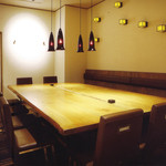 飯台  - 雰囲気のあるテーブル席の個室
