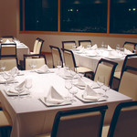 飯台  - 70名様収容可能な11階の宴会場