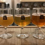 TOKYO OLDBOYS BREWING - ・Beer Flight 飲み比べセット 1,200円 (Tech in concreate、CoCo、Very belly berry)