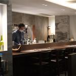 Lounge1908 Restaurant - Live感のあるカウンター席