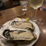 ステッラ - 三陸生牡蠣2ピース
