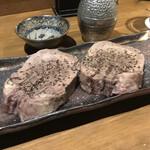 日本酒バル ゆすら堂 - とろける茹で牛タン。                                 美味し。