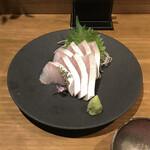 日本酒バル ゆすら堂 - カンパチ刺身。                                 美味し。