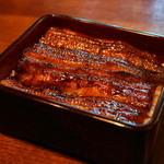 柳ばし - 料理写真:2012.8 鰻重(2,000円)肝吸いと香の物つき