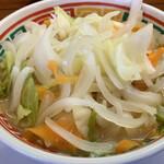 豚太郎 - 野菜の多さに圧倒!もやし無し。