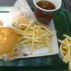 レトリバー - 料理写真:チーズバーガーセット、フライドポテト