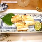 よしはら - ≪2012年8月≫穴子白焼き。山葵、酢橘、金山寺味噌が添えられています。何も付けなくっても良い塩梅の味付けですが、付けたら、違った味わいが楽しめます♪