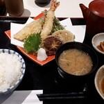 横濱屋本舗食堂 - 料理写真:天ぷら定食 1320円