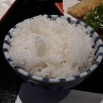 横濱屋本舗食堂 - 料理写真:ご飯 茶碗が小さい