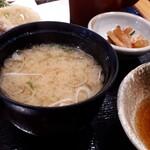 横濱屋本舗食堂 - 料理写真:味噌汁 出汁の塊