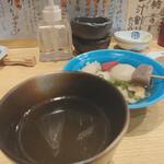 おでん 鈴 - 出汁わり。日本酒です。