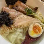 中華そば JUN-CHAN - 料理写真:◆特製塩ラーメン 980円 + 大盛り100円