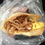 ブーランジェリー コチュウ - やきそばパン220円