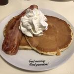 Hawaiian Pancakes House Paanilani - ステーキベーコンパンケーキ