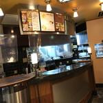Caffe Luca - 店内 ※ここで、注文したものが出てくるのを待つ