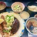 食堂もり川 - ワイフのエビフライとハンバーグ定食ご飯少なめ納豆追加 ザ・定食です