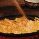 ポコペンのペコポン - 目の前の鉄板で作ってくれる、つまんでご卵の玉子ステーキ♪