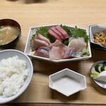 藤与し - 刺身定食7点盛り 1650円