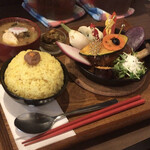 TAKEUCHI - 【煮込みハンバーグカレー膳】(850円)
