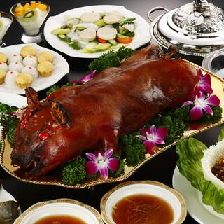 【要予約】名物!仔豚の丸焼きコース20000円