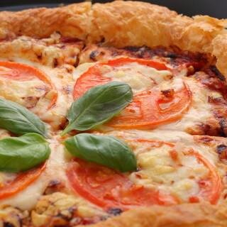サクサク♪パイ生地の手作りピザは約30種!テイクアウトもOK