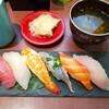 回転寿司 魚喜 - 料理写真: