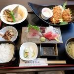 わらべ菜魚洞 - 11月25日の海まかせお昼膳
