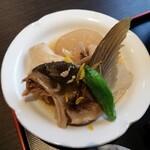わらべ菜魚洞 - ブリ大根