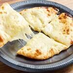 Darjeeling Spice - チーズナン
