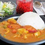 Darjeeling Spice - ウィンナーと野菜のゴロゴロカレー