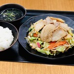 【定食】大盛り肉野菜炒め