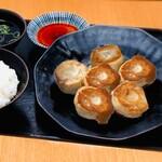 【定食】まん丸青森肉汁餃子6個入り