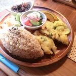 シバヨウ - 料理写真:イワシのカレーフリッター