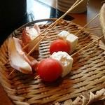 しゃぶしゃぶ 温野菜 - 2種のチーズ串しゃぶ(410円也)。これはあまりインパクトなかった。勧められたんやけど、ね。