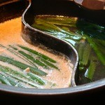 しゃぶしゃぶ 温野菜 - ニラ(189円也)も投入。