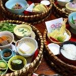 菊池温泉 清流荘 - お昼の籠膳