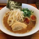 麺屋 一 - 味玉らー麺醤油とんこつ