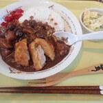リトルモックカフェ - 料理写真:カレーのランチセットは、サラダと1ドリンク。