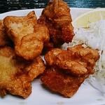 酒蔵 厚岸 - 鶏の唐揚げアップ