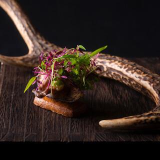 フランス料理の新しい可能性を追求するイノベーティブな数々