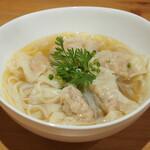 海老ワンタン麺(ライスヌードル)