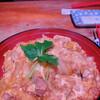 Panch - 料理写真:親子丼。ご飯とタマゴの間に刻み海苔がありますよ♡