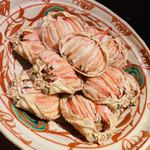 魚菜 基 - これも珍しいズワイガニのメス。盛り付けた肉の下には卵・・なかなかの珍味、かつ美味❗️