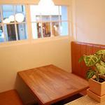 イタ麺 - 4名様掛けテーブル