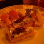 バー・ダブコット - チーズ盛り合わせ.JPG