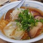 141551264 - ワンタン麺